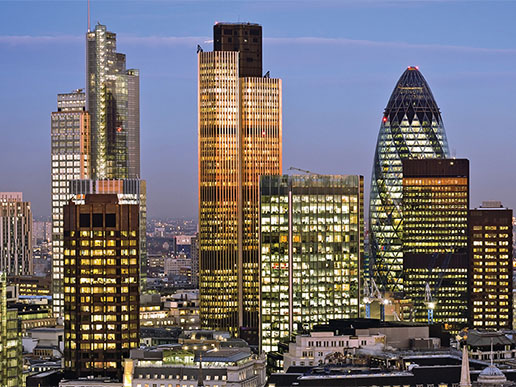 Discover London - Private helicopter sightseeing tour of London