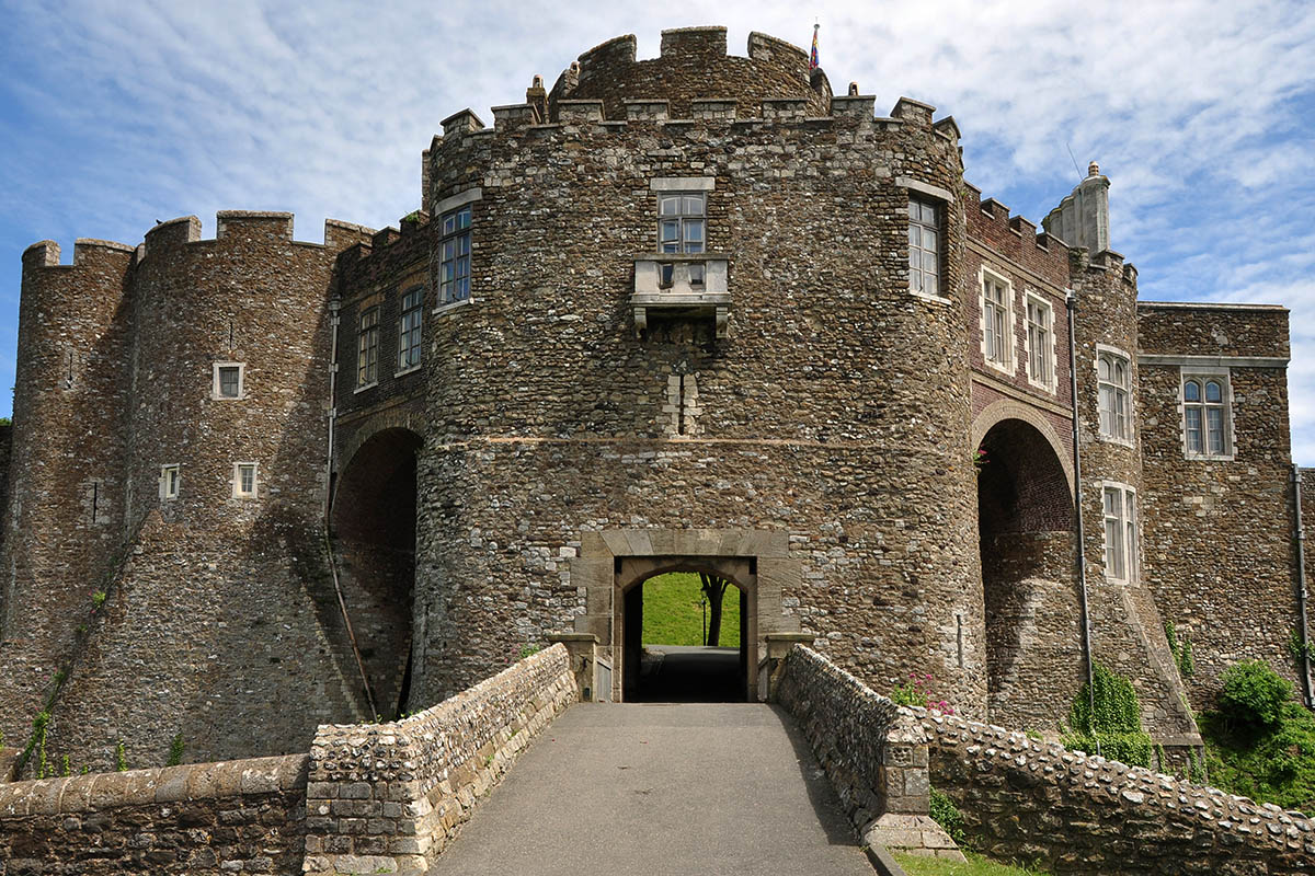 Discover London - Day Tours from London - Dover Castle