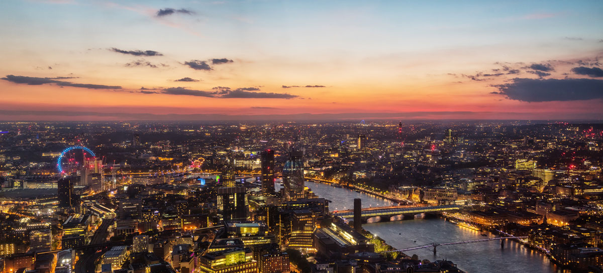 Vip Tour Private helicopter sightseeing tour of London
