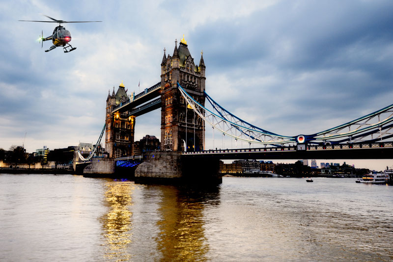 Discover London Tours - Private helicopter sightseeing tour of London