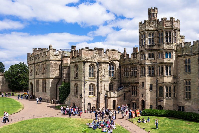 Discover London Tours - Stratford & Warwick Castle Tour